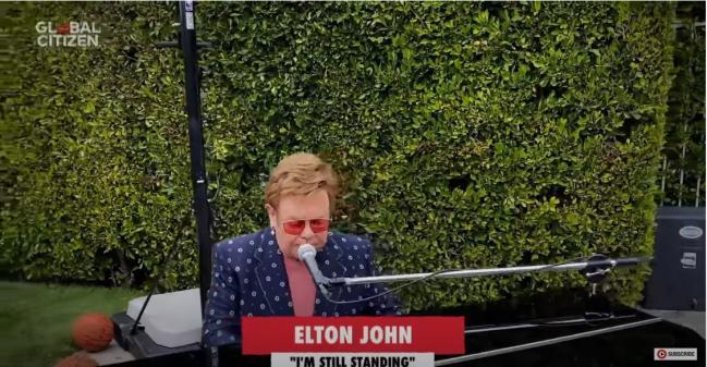图9 - Elton John.jpg